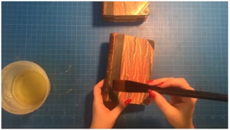 Step 1: Coat leather in leather conditioner, use a soft bristled brush. Leave for 1-2 days to allow for full absorption.